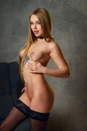 Anushka adult dating in Athens